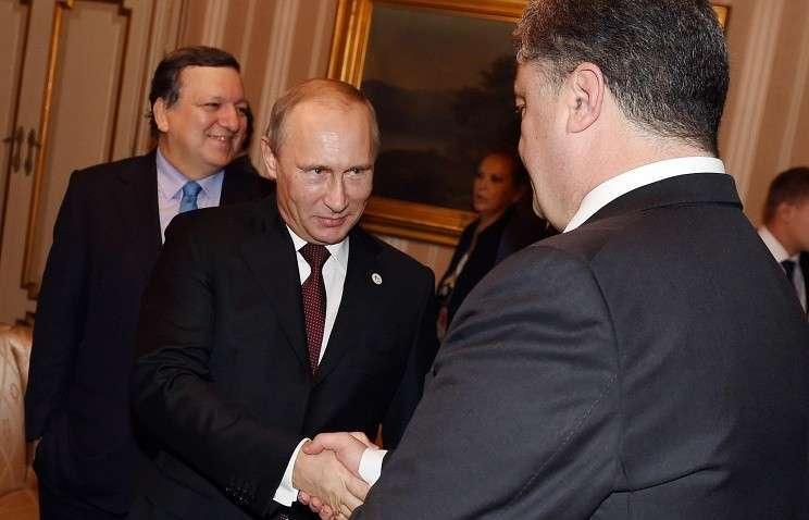 Жозе Мануэл Баррозу, Владимир Путин и Петр Порошенко во время встречи в Милане