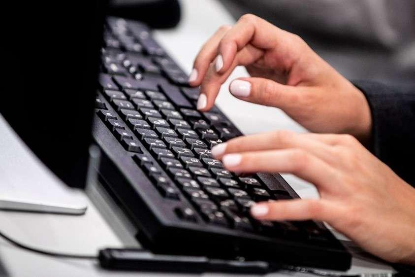 Совет Федерации одобрил закон о запрете распространения недостоверной информации