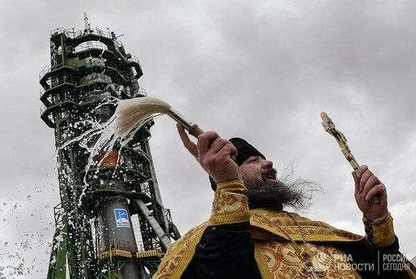 Духовник Роскосмоса: религиозное мракобесие вместо науки