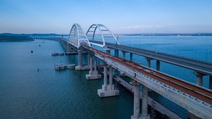 На железнодорожной части Крымского моста установили 19 из 38 км термоупрочнённых рельсов