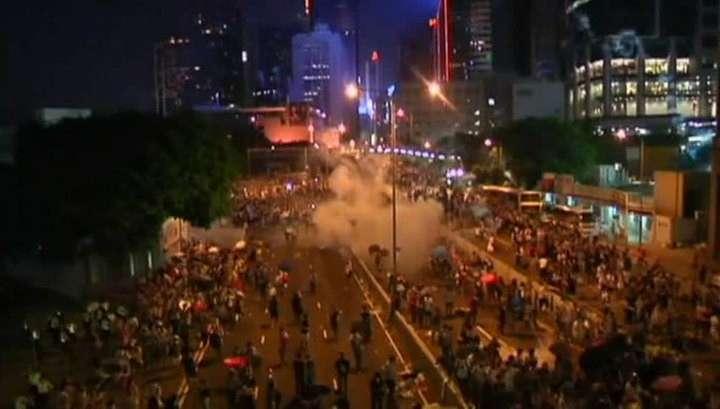 В Гонконге возобновились столкновения