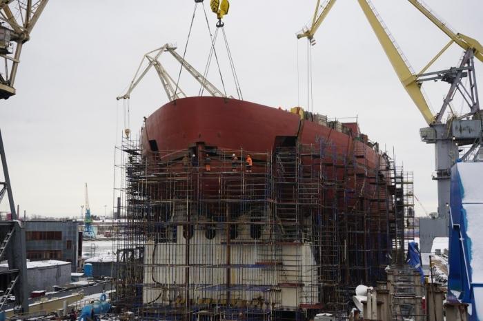 Атомный ледокола «Урал» – фотографии строящегося корпуса