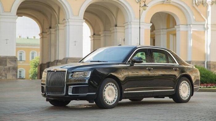 Лимузины и микроавтобусы AURUS начали поступать в правительственный гараж
