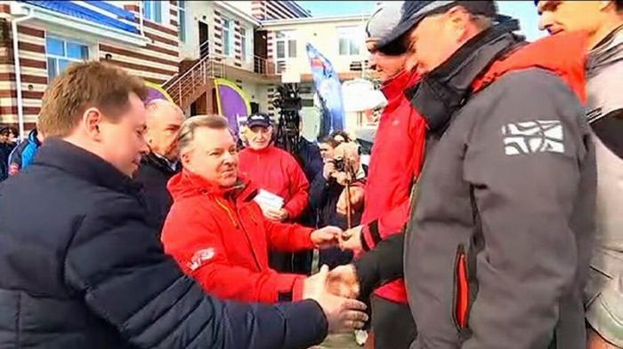 В Севастополе Командующий ЧФ наградил победителей парусной регаты «Крымская весна-2019»