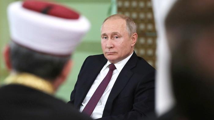 Владимир Путин провёл встречу с представителями общественности Крыма и Севастополя
