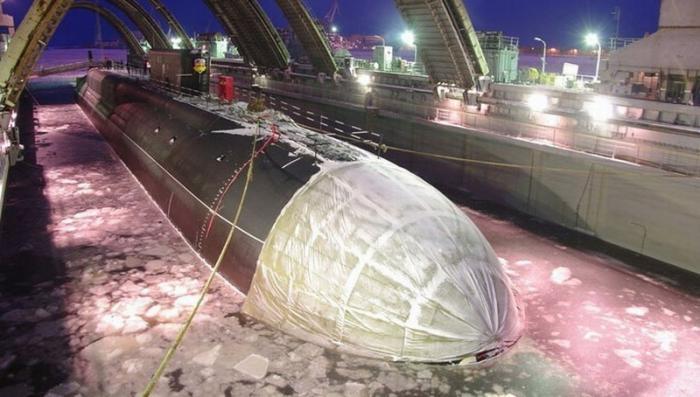 Стратегическая атомная подводная лодка «Борей» вышла на испытания