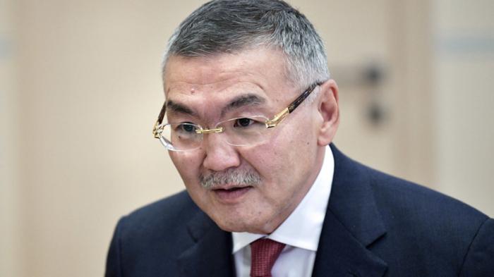 Путин принял отставку главы Калмыкии Алексея Орлова