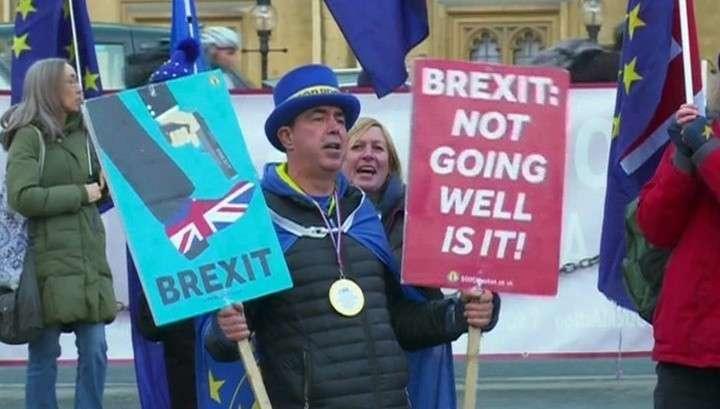 Брексит: в Евросовете пригрозили адскими проблемами, если Британия не пойдёт на уступки