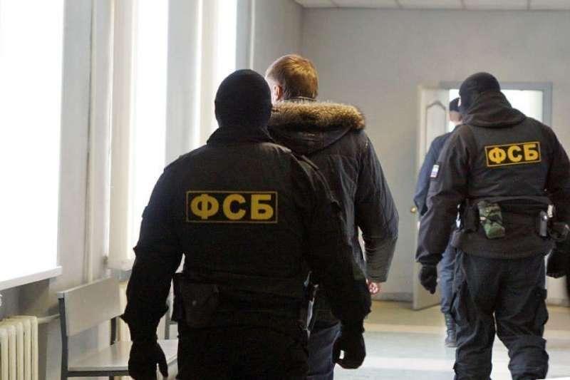 ФСБ начала обыски по делу о хищениях средств гособоронзаказа в трех городах