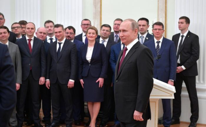 Чистка кадров в России: глав регионов ищут в президентском кадровом запасе