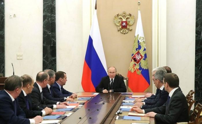 Владимир Путин провёл оперативное совещание с постоянными членами Совета Безопасности РФ
