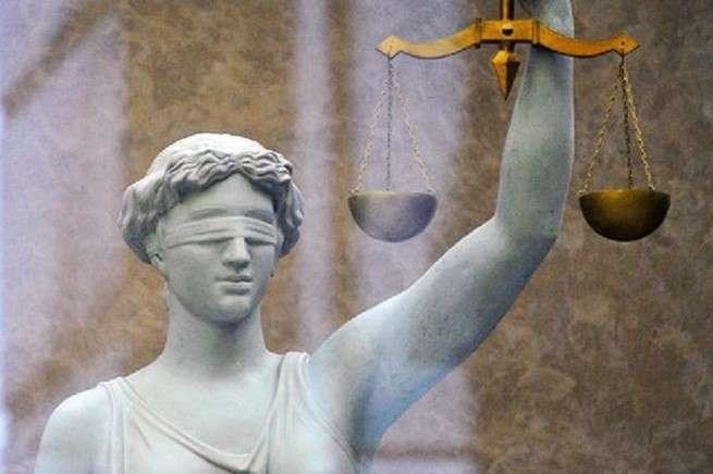 Скандальные решения судебной системы: нужна ли в России выборность судей?