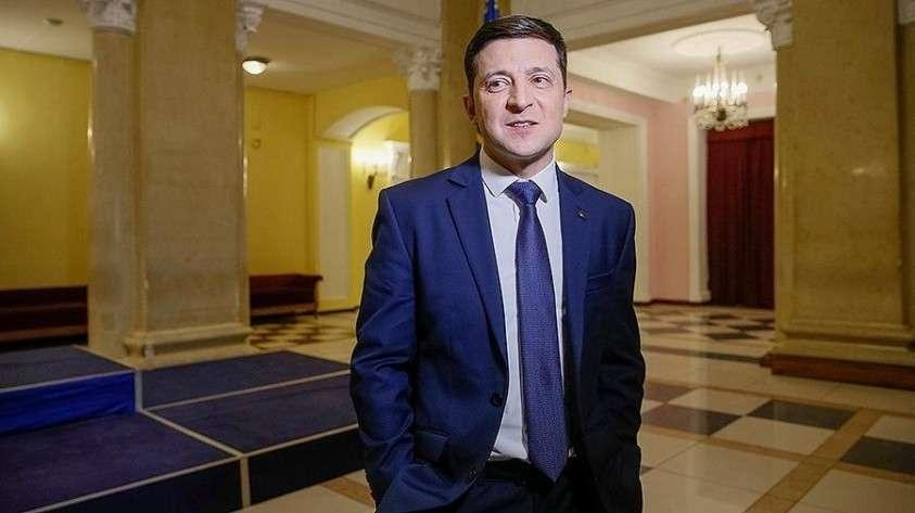 Зеленский предложил снять неприкосновенность с депутатов и президента