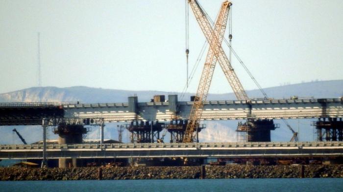 На Крымском мосту завершена укладка пролетов железнодорожного моста