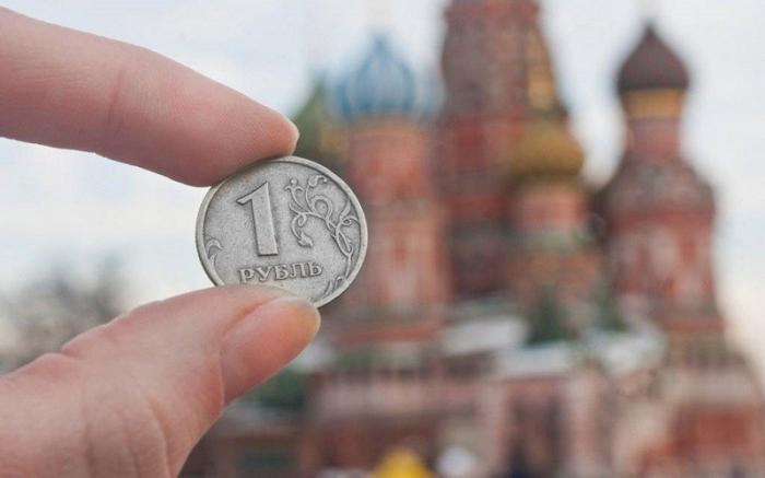 Кто и сколько должен России?