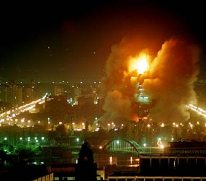 Югославия это пример того, что делают со слабыми и беззащитными