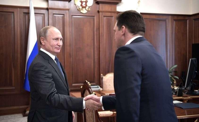 С генеральным директором «Почты России» Николаем Подгузовым.