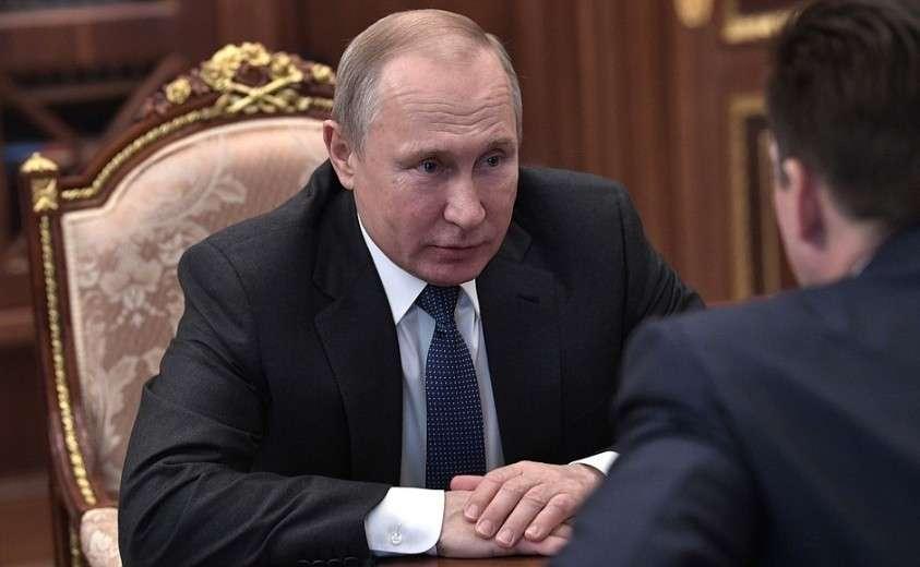 На встрече с генеральным директором «Почты России» Николаем Подгузовым.