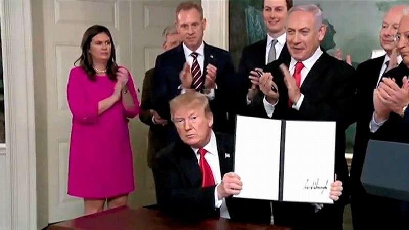Трамп подписал декларацию о признании суверенитета Израиля над оккупированными Голанскими высотами