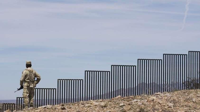 Пентагон выделил Трампу миллиард долларов на строительство стены