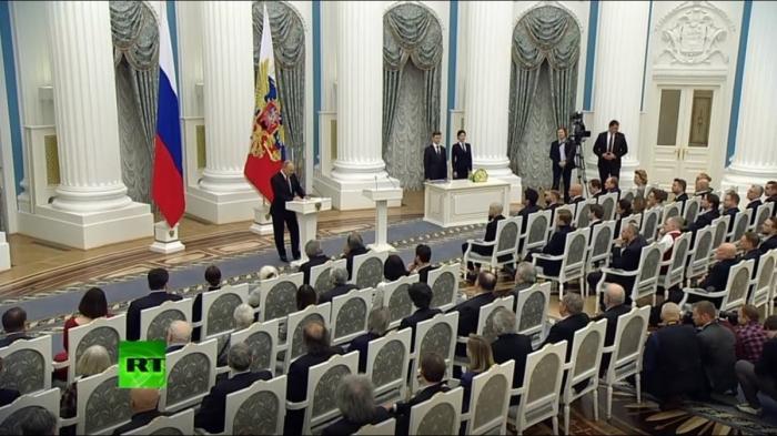 Владимир Путин вручил награды молодым деятелям культуры