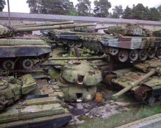 В армии Украины за сутки сгорели 5 танков и разбился самолет