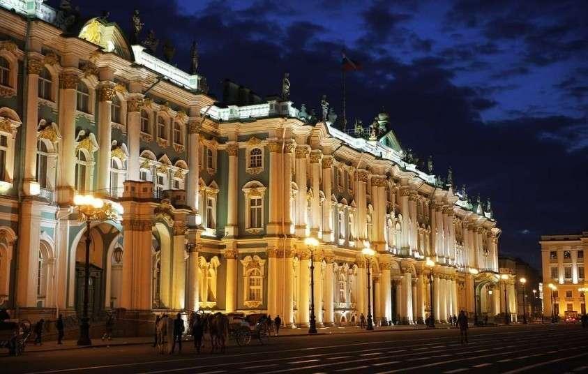 Питерский Государственный Эрмитаж попал в десятку самых посещаемых музеев мира