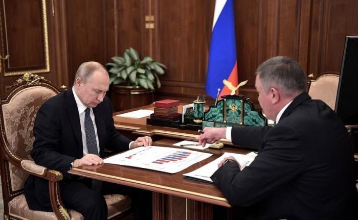 Владимир Путин провел рабочую встречу с губернатором Вологодской области Олегом Кувшинниковым