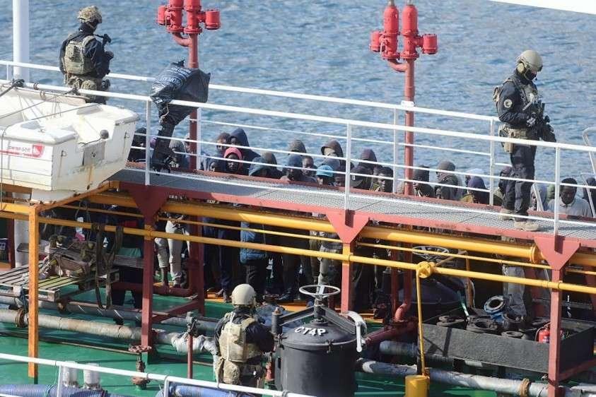 Мигранты, захватившие своих спасителей, сделали подарок ультраправым