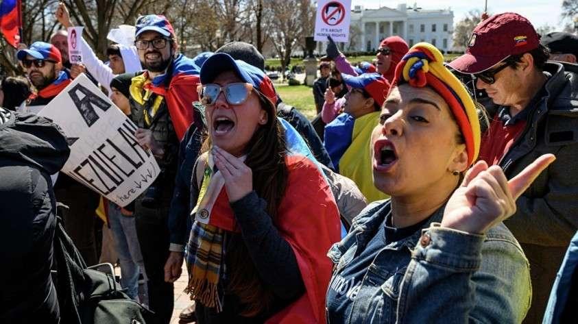 Почему Трампа толкают к войне в Венесуэле?