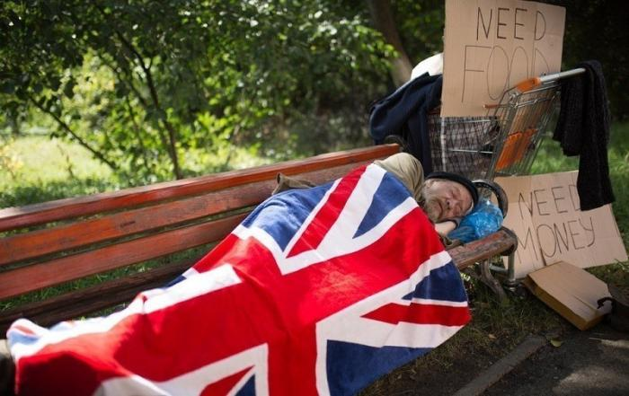 В Великобритании более 4 млн детей живут за гранью бедности