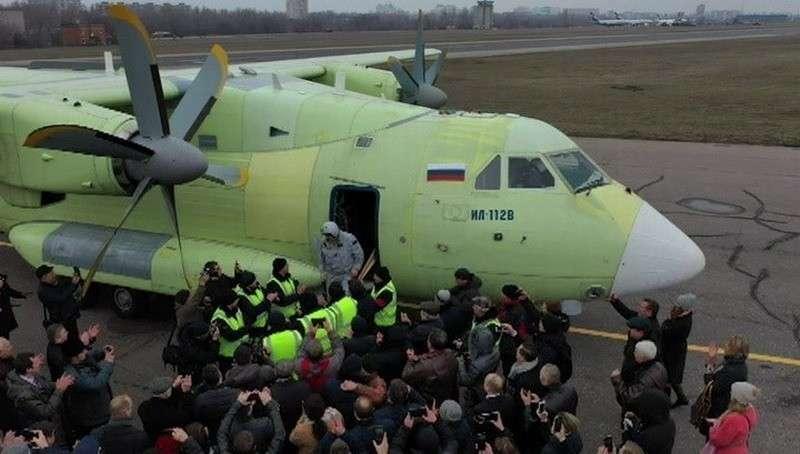 Новый военно-транспортный самолёт Ил-112В успешно совершил первый полёт