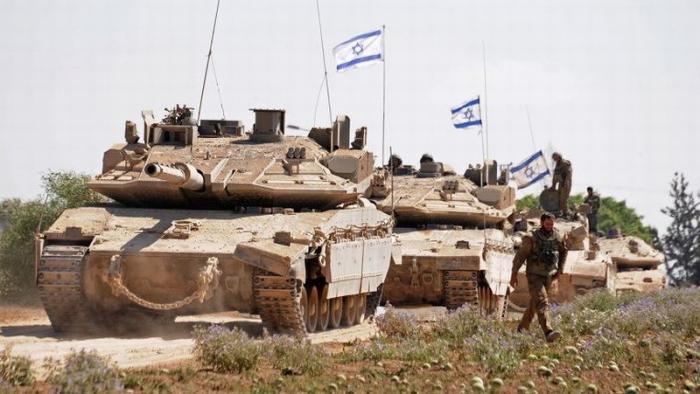 Террористический Израиль танками атаковал сектор Газа