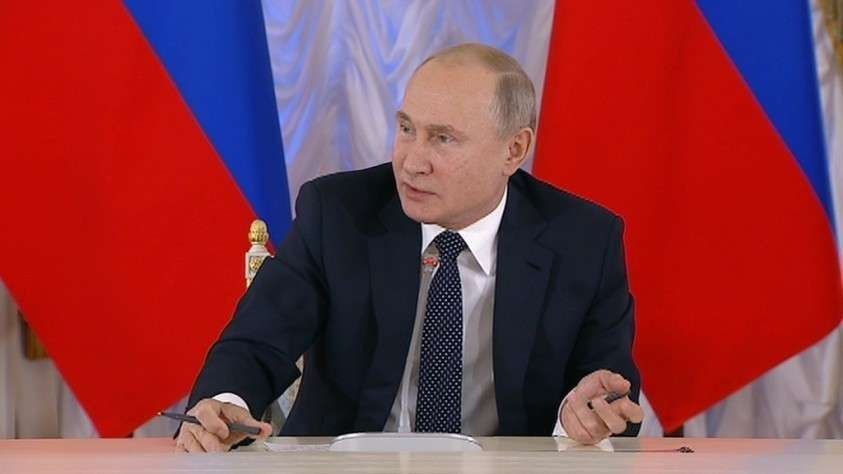 Владимир Путин подписал закон о доплатах пенсионерам
