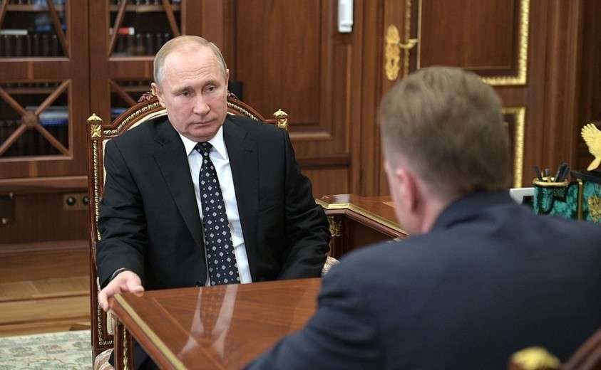 С председателем государственной корпорации развития «ВЭБ.РФ» Игорем Шуваловым.