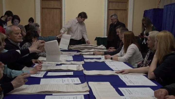 ЦИК Украины: обработаны все протоколы, итоги первого тура