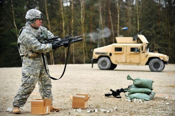 Депутат бундестага: НАТО – угроза для мира, которой необходимо положить конец