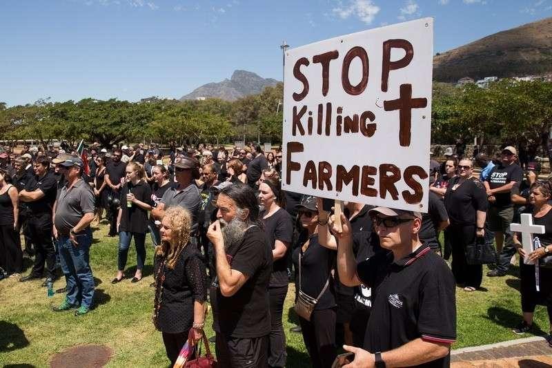 В ЮАР развернулся настоящий геноцид белого населения с молчаливого одобрения властей