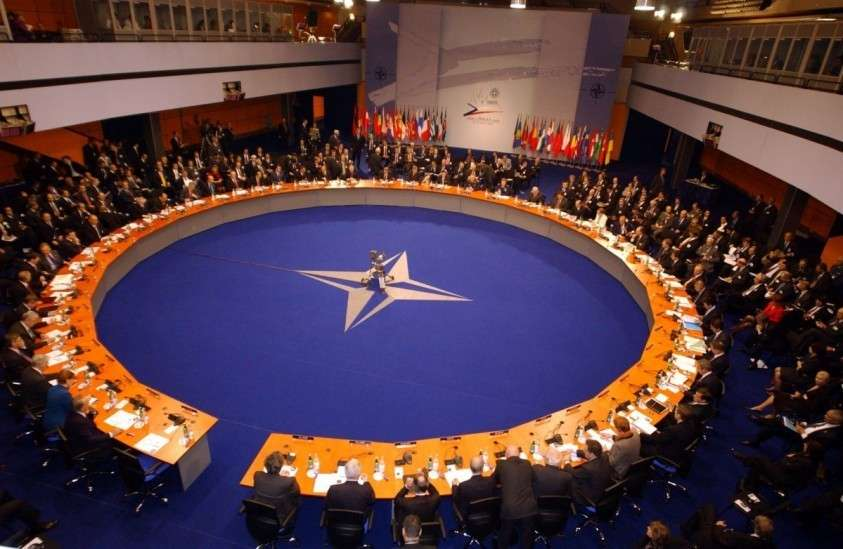 Немецкие политики потребовали ликвидации НАТО