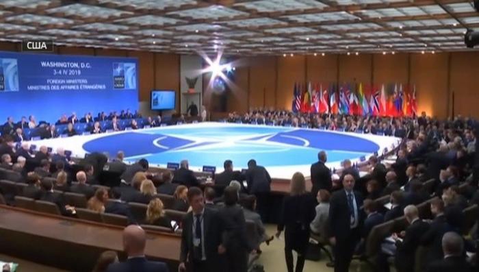Раскол НАТО. Бесславный юбилей Североатлантического альянса