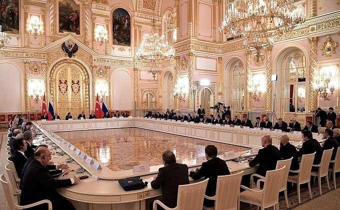 Путин и Эрдоган провели встречу с представителями бизнеса России и Турции
