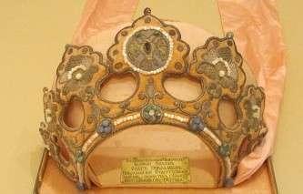В Царскосельский музей вернутся похищенные немцами в годы войны книги, вазы и икона