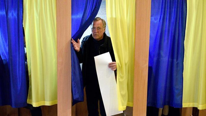 Кого выберут избиратели Тимошенко и Бойко во втором туре выборов на Украине?