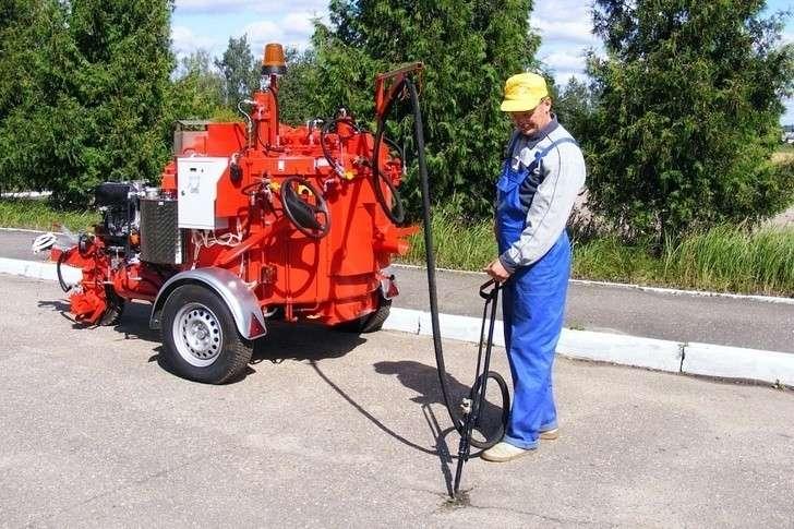 Новинки коммунальной и дорожной техники от АО «Коминвест-АКМТ»