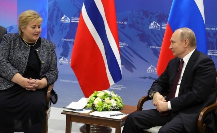 Владимир Путин провёл встречу сПремьер-министром Норвегии Эрной Сульберг