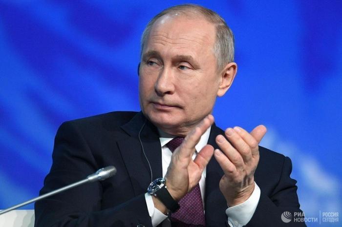 Путин ответил премьеру Швеции Стефану Левену цитатой: «Ура! Мы ломим, гнутся шведы»
