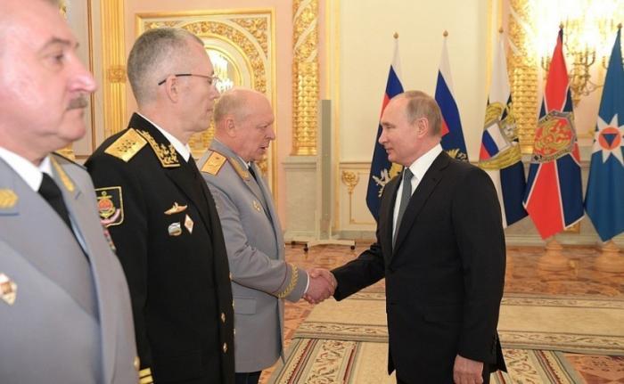 Церемония представления Владимиру Путину офицеров, назначенных на высшие командные должности