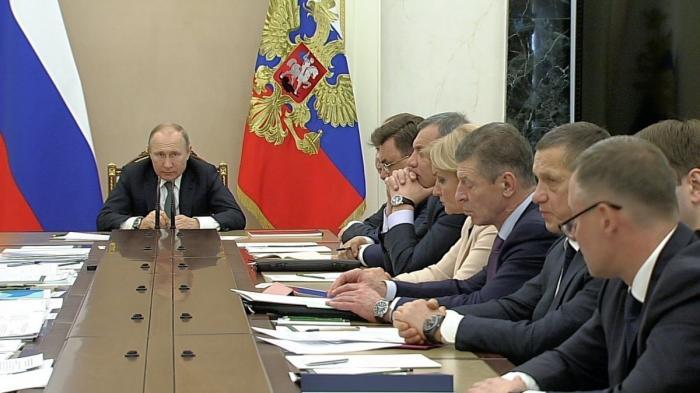 Владимир Путин провёл совещание с членами Правительства по вопросу обращения с отходами