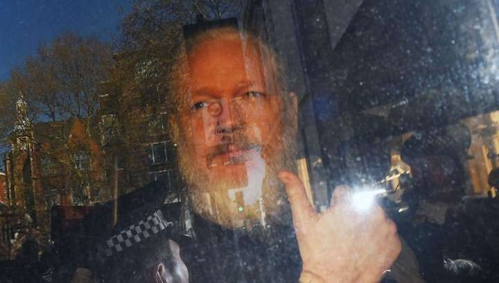 Основателя WikiLeaks Джулиана Ассанжа признали виновным в неявке в суд
