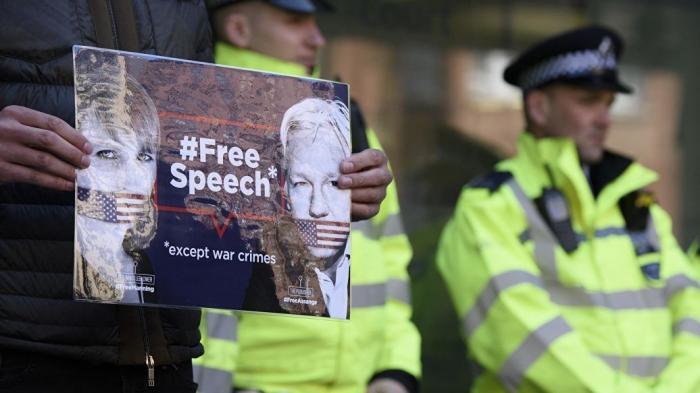 В Эквадоре задержали друга Джулиана Ассанжа